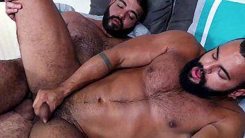 Xvideos porno gay com homens barbudos e peludos