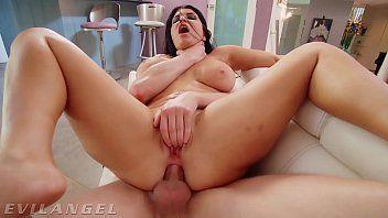 Sexo anal com mulher peituda gostosa